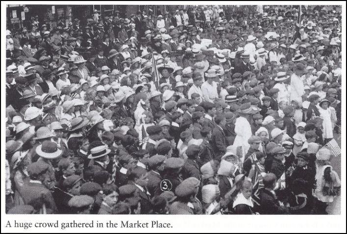 Crowds 1919 Peace celebs
