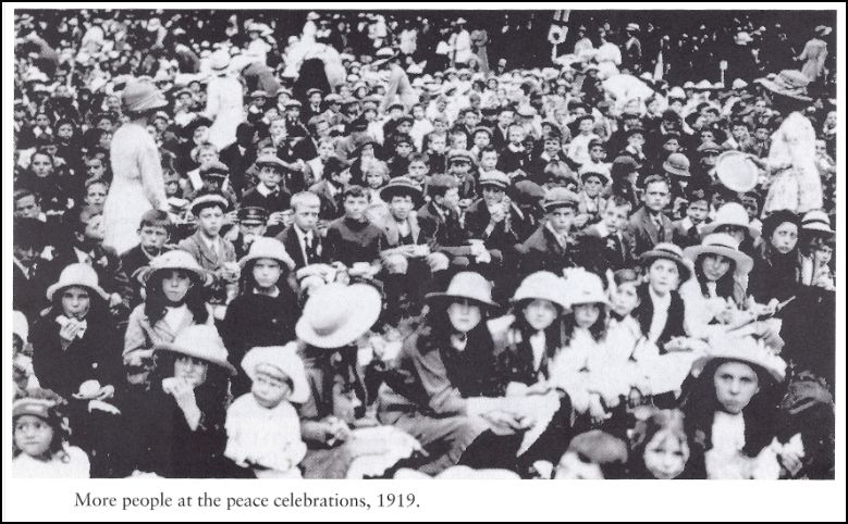More peace celebs 1919