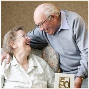 Edna and Ken celebrate their 50th Wedding anniversary.